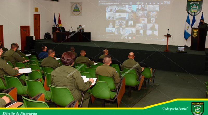 """Ejército de Nicaragua durante Seminario de Capacitación sobre el Funcionamiento del Parlamento Centroamericano"""" (PARLACEN)."""