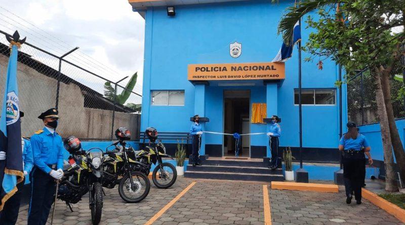 Efectivos de la Policía Nacional durante la inauguración de la Estación Policial Inspector Luis David López Hurtado en Cuapa, Chontales.