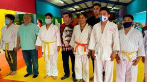 Vicealcalde de Managua junto a estudiantes de la Academia de Yudo
