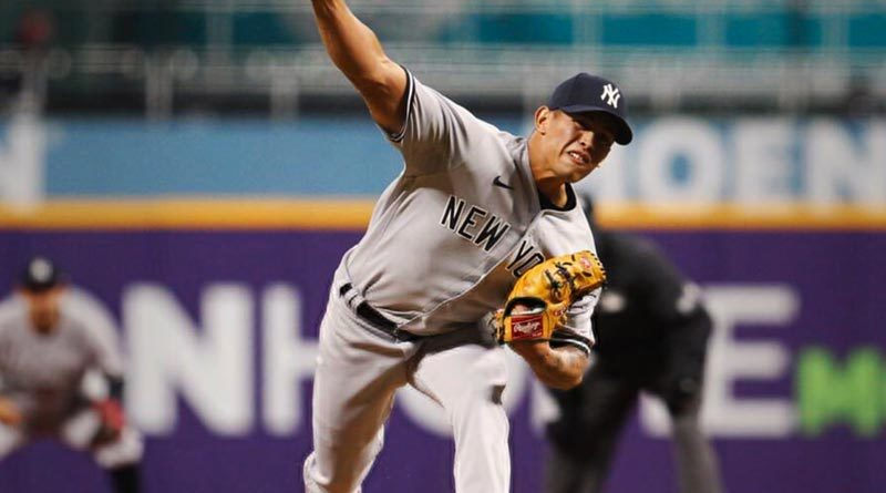 Jonathan Loáisiga jugador nicaragüense de los Yankees de Nueva York en las Grandes Ligas.