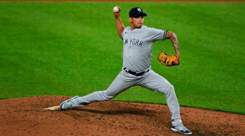 El nicaragüense Jonathan Loáisiga jugando para los Yankees de Nueva York.