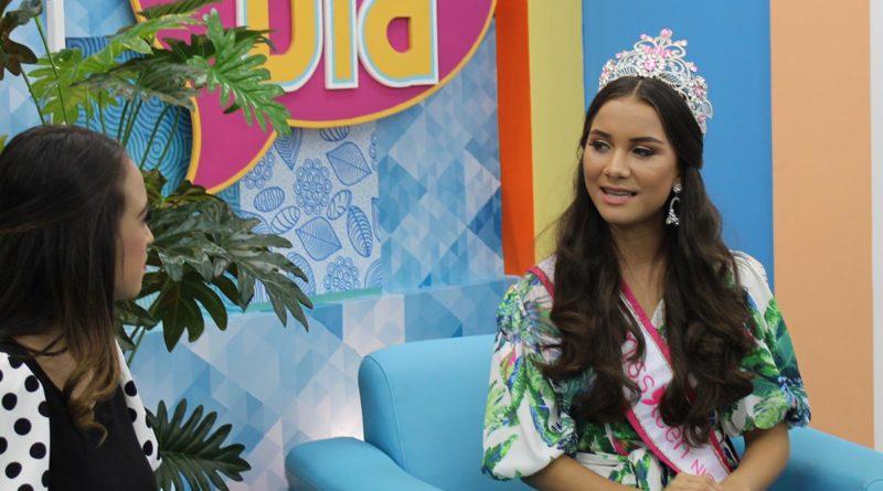 Leylani Leytón, Miss Teen Nicaragua 2021 en el set de Es Mi Día en Canal 4, La Mejor Televisión.