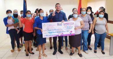Emprendedoras de Managua reciben financiamiento por parte del MEFCCA