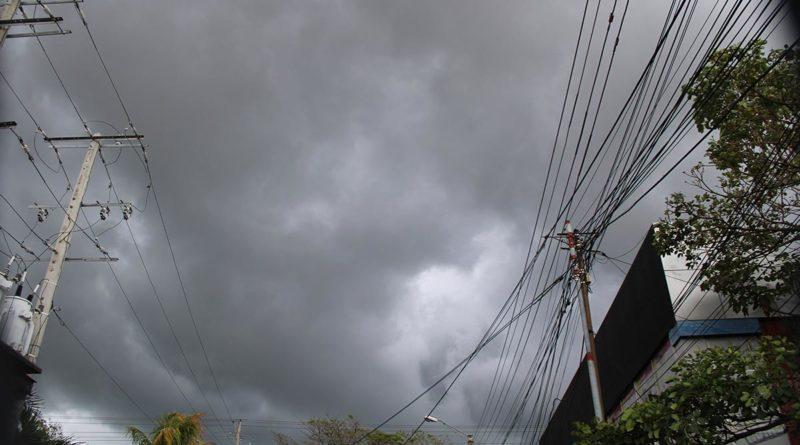 El miércoles lloverá en gran parte del país y los cielos permanecerán nublados.