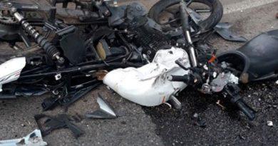 Motocicleta después de un accidente de tránsito