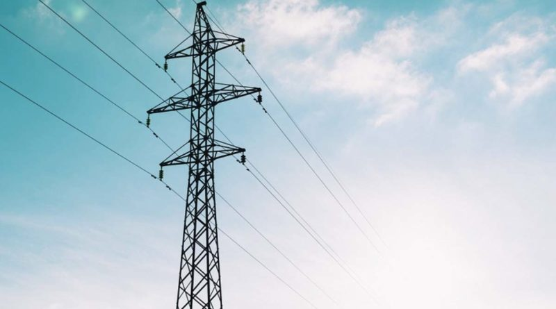 Torres de cables eléctricos