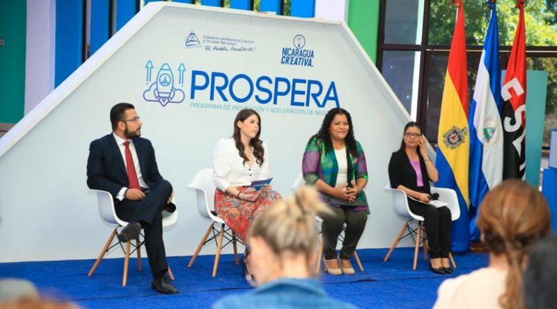"""Miembros de la Comisión Nacional de Economía Creativa de Nicaragua durante la convocatoria del Programa de Incubación y Aceleración de Negocios """"Prospera""""."""