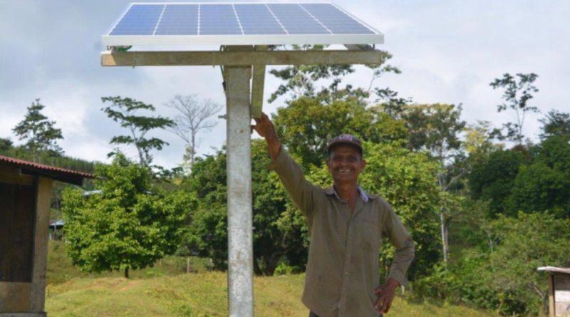 La revolución verde de Nicaragua no solo ha visto inversiones en fuentes de energía renovables, sino también ha llevado energía eléctrica a áreas que antes no tenían acceso.