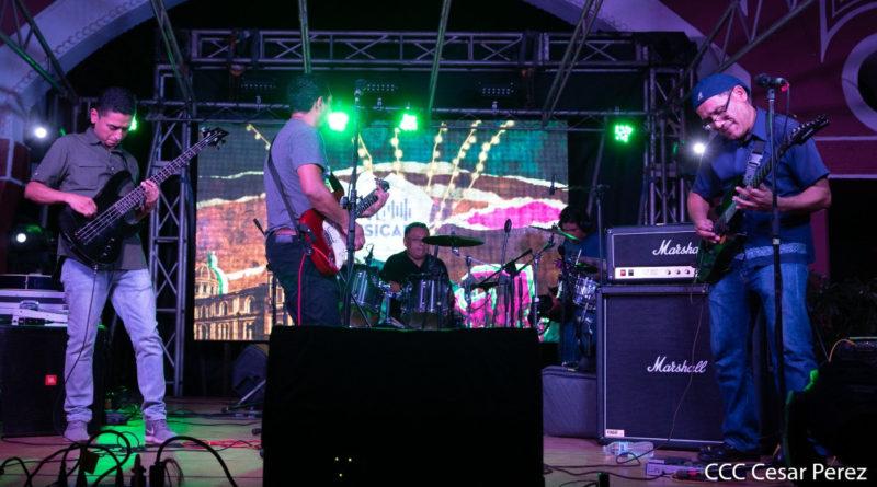 Bandas de Rock tocando en el Festival Rock City de Granada, Nicaragua
