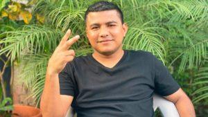 """Román """"Chocolatito"""" González durante la entrevista con Carlos Alfaro León."""