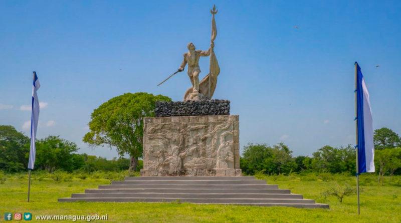 Estatua del General José Dolores Estrada Vado, ubicada en el Museo y Sitio Histórico Hacienda San Jacinto, Tipitapa, Managua.