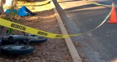 Motociclista después de accidente de tránsito