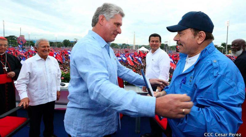 Comandante Daniel Ortega junto al Presidente de Cuba, Compañero Miguel Díaz-Canel Bermúdez en el acto del 39 Aniversario del Triunfo de la Revolución Popular Sandinista.