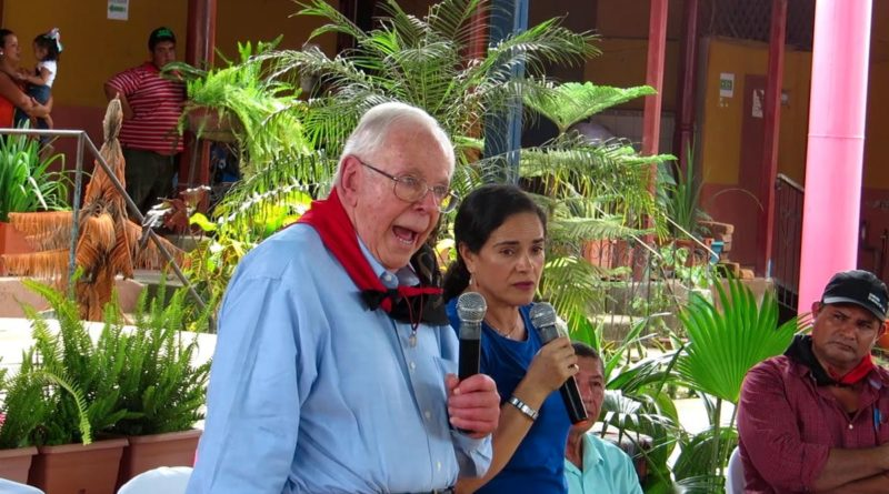 Doctor Arnold Matlin en Nicaragua.