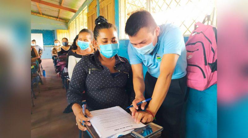 Estudiante durante capacitación de UNICAM