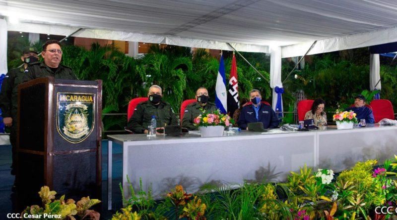 Alto mando del Ejército de Nicaragua junto al presidente de la República en el 42 aniversario de fundación de la Fuerza Aérea