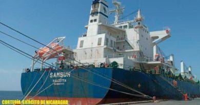 Embarcaciones de flota pesquera industrial