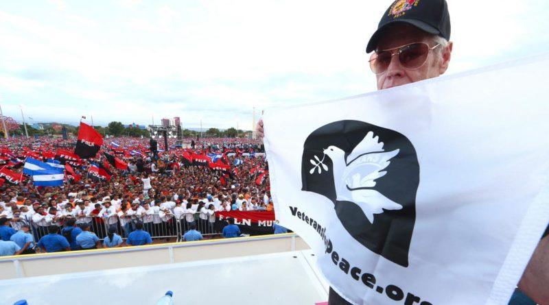 Gerry Condon, ex presidente, Veteranos por la Paz durante la celebración del 40 Aniversario del Triunfo de la Revolución Popular Sandinista.