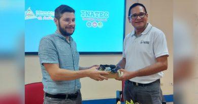 ONG Internacional Rainbow Network, realiza entrega de una donación de 1,080 Unidades de Audífonos con Micrófonos Integrados, al Instituto Nacional Tecnológico (INATEC).