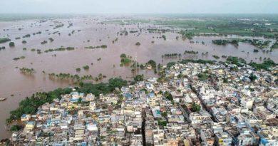 Imagen aérea que muestra las inundaciones causadas por las torrenciales lluvias en la India