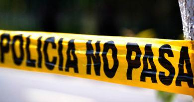 Escena del crimen marcada por la línea amarilla que utiliza la Policía