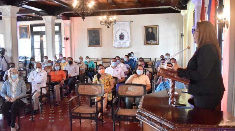 Autoridades de la UNAN - León durante la presentación de la Maestría en igualdad de género e inclusión