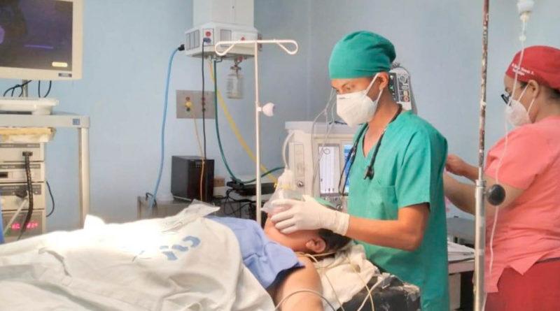 Médicos del Manolo Morales durante la jornada realizada este viernes 9 de julio