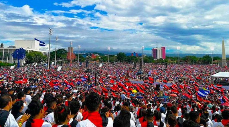 Plaza durante Celebración de la Revolución Popular Sandinista