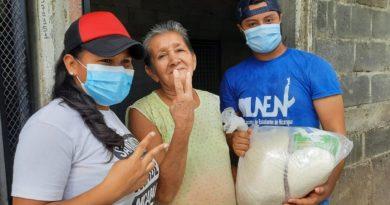 Gobierno Sandinista entrega paquetes solidarios en barrios de Managua
