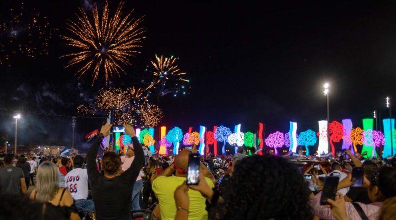Miles de nicaragüenses se congregaron en la Plaza La Fe para recibir el 42/19