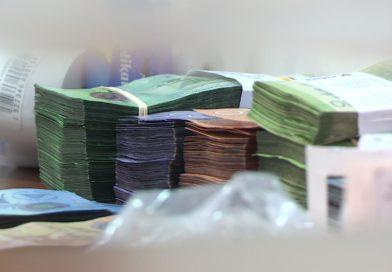 Billetes de mil, quinientos, doscientos y cien córdobas nicaragüenses