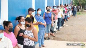 Pobladores participan en el proceso de verificación ciudadana