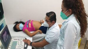 Doctores del Ministerio de Salud brindan atención a mujeres en Bonanza y Rosita