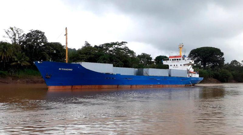 Buque mercante Augusto C. Sandino, cargado con alimentos para el pueblo de Cuba