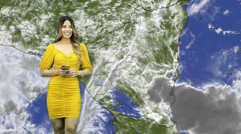 Crismara Mendoza en el programa Es Mi Día brindando el reporte del clima en Nicaragua.