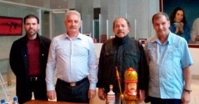 Presidente Daniel Ortega con el Señor Nikolay Frolov, Director del Centro para la Cooperación Científico-Técnica e Innovadora con los Países de Latinoamérica de la Universidad Estatal del Suroeste de Rusia.