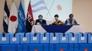 Autoridades del MINSA, Japón y Unicef durante la entrega de la donación