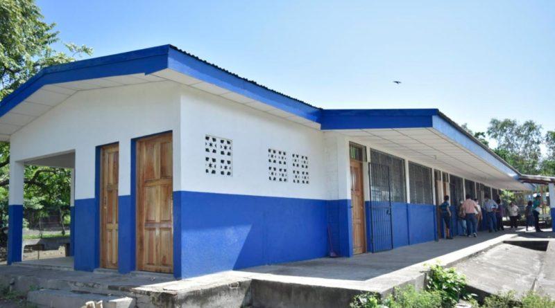 Escuela El Porvenir en sector León-Rota, ubicada en la comunidad que lleva su mismo nombre, en el kilómetro 14 carretera León-Rota.