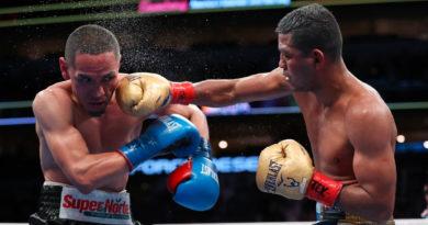 Román González vs Francisco Estrada durante su segundo enfrentamiento.