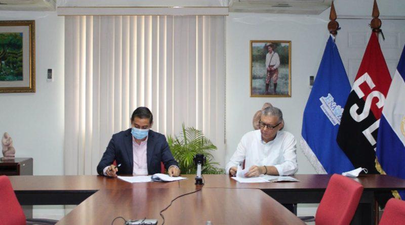 ENACAL firma contrato para supervisión de proyecto en Chinandega