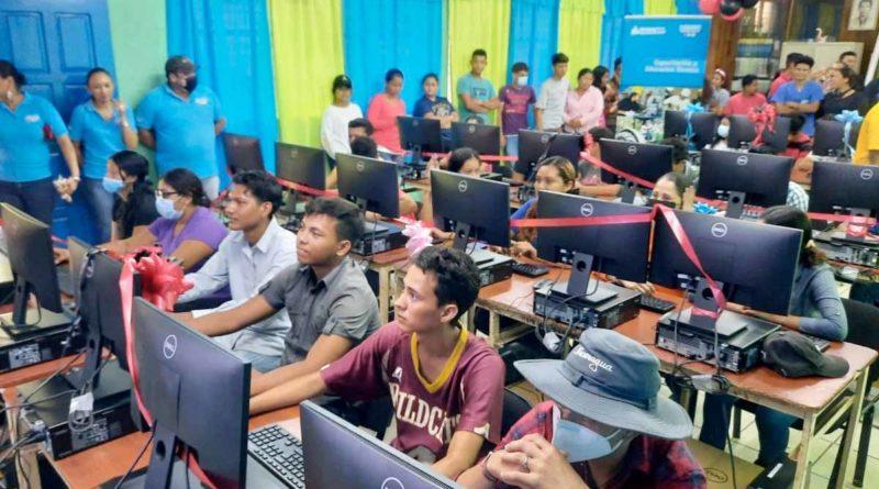 Estudiantes del Tecnológico Agropecuario estrenan laboratorio de computación