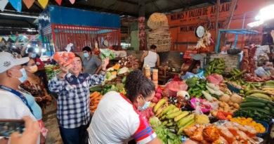 El Vicealcalde de Managua Enrique Armas realizó un recorrido por distintos tramos del Mercado Iván Montenegro.