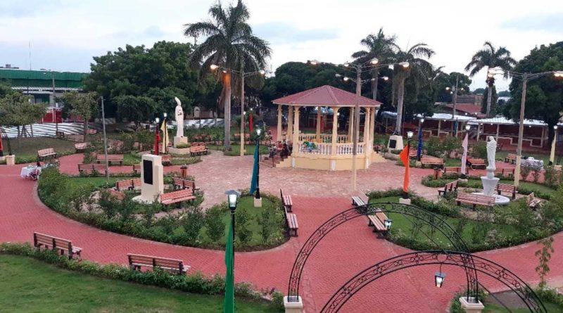 Vista del parque central de Chinandega