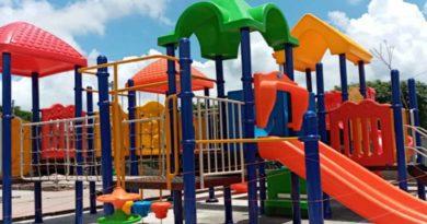 Vista de uno de los juegos nuevos en el parque municipal de la Concepción en Masaya