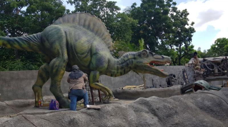 Obreros en la ampliación del Parquesaurio de Nindirí