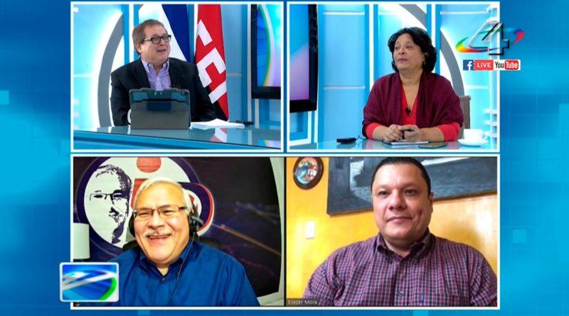 Alberto Mora, director del Programa Revista En Vivo junto a los periodistas Tirsa Sáenz, Eliezer Mora y el analista político Adolfo Pastrán.