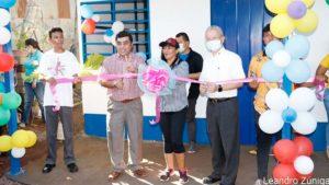 Autoridades de la Alcaldía de Managua y la Embajada de Taiwán en Nicaragua, durante la entrega de la vivienda en el barrio Alexis Argüello