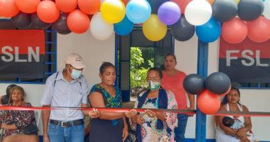 Rebeca de los Ángeles Juárez Noguera y su familia reciben vivienda digna en Rivas.