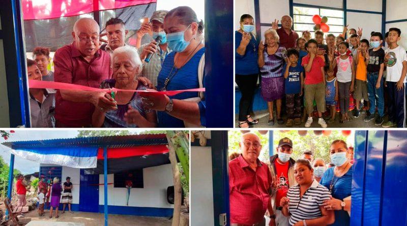 Familias de Nandaime recibiendo las llaves de sus nuevas viviendas