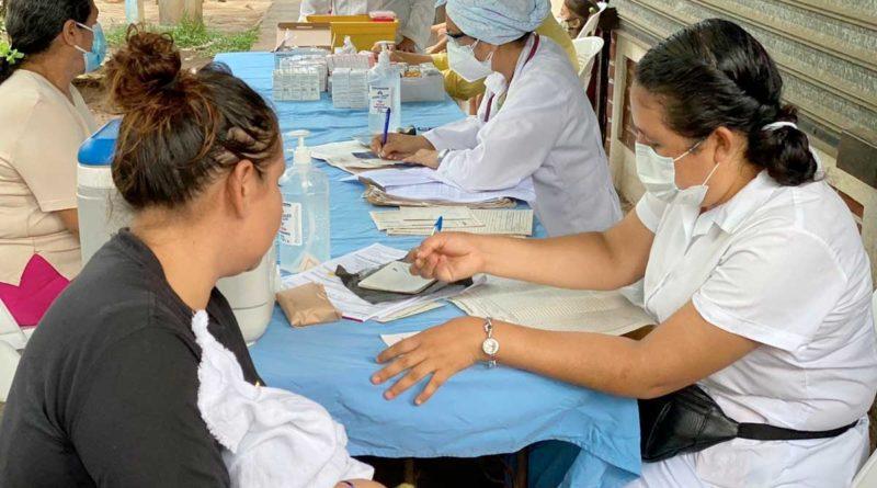 Pobladores de El Recreo reciben atención médica especializada a través de una clínica móvil del Ministerio de Salud